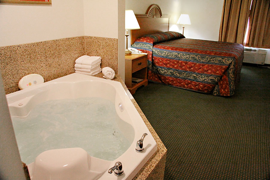 Omaha Hotel Rooms With Jacuzzi Suites